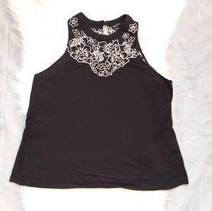 Torrid Embroidered Key hole tank top